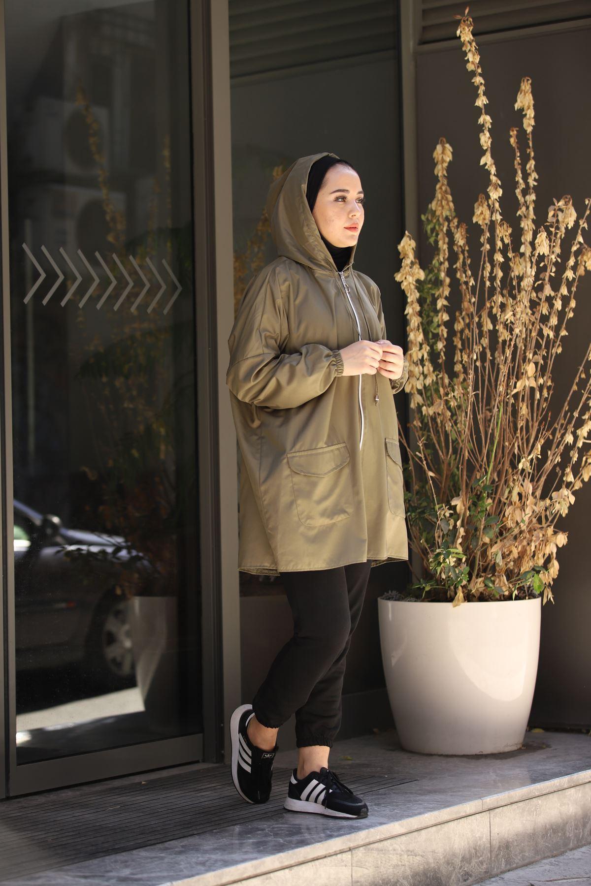 Soft Kapşonlu Yağmurluk - Haki