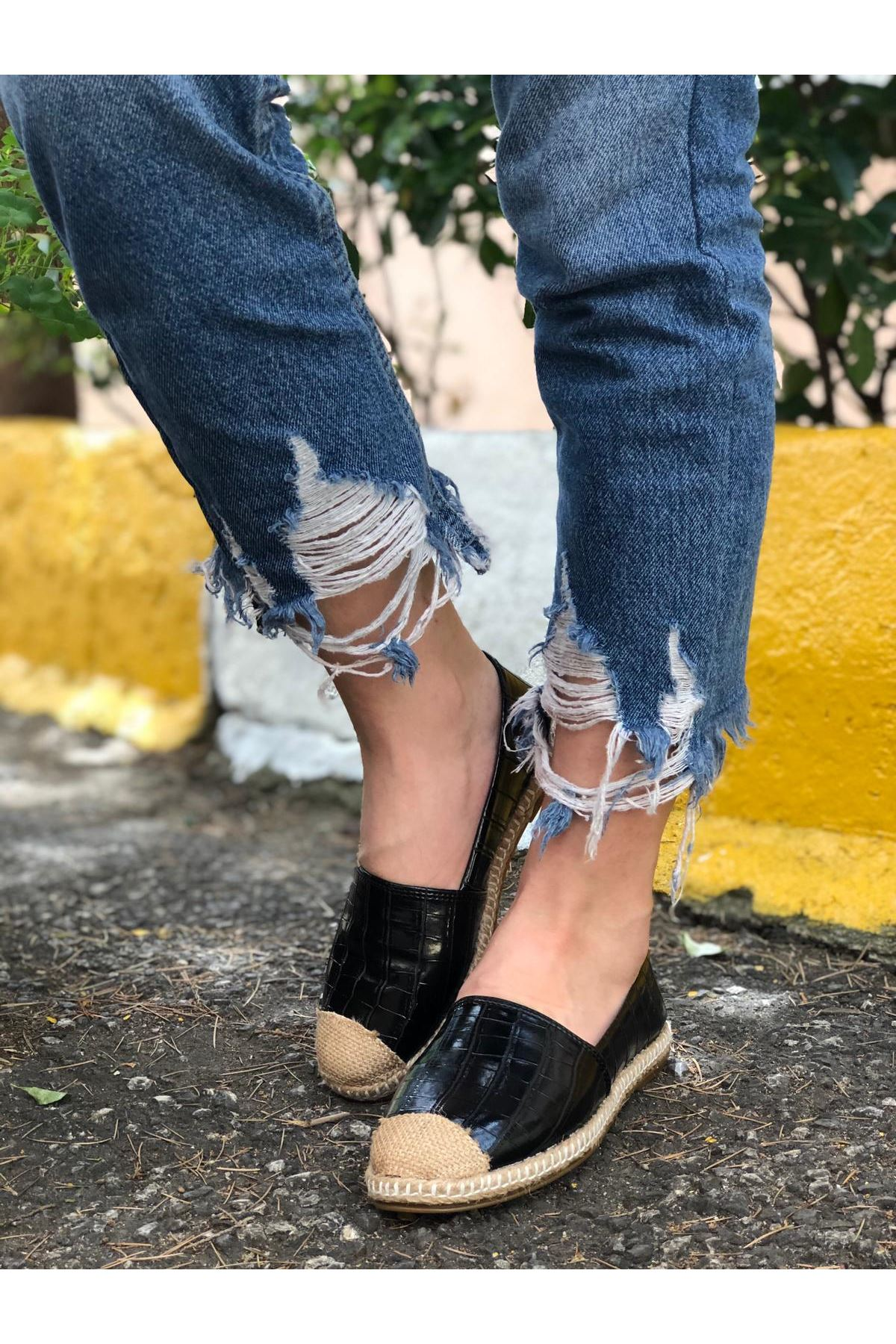 Hasır Detaylı Babet Ayakkabı - Siyah