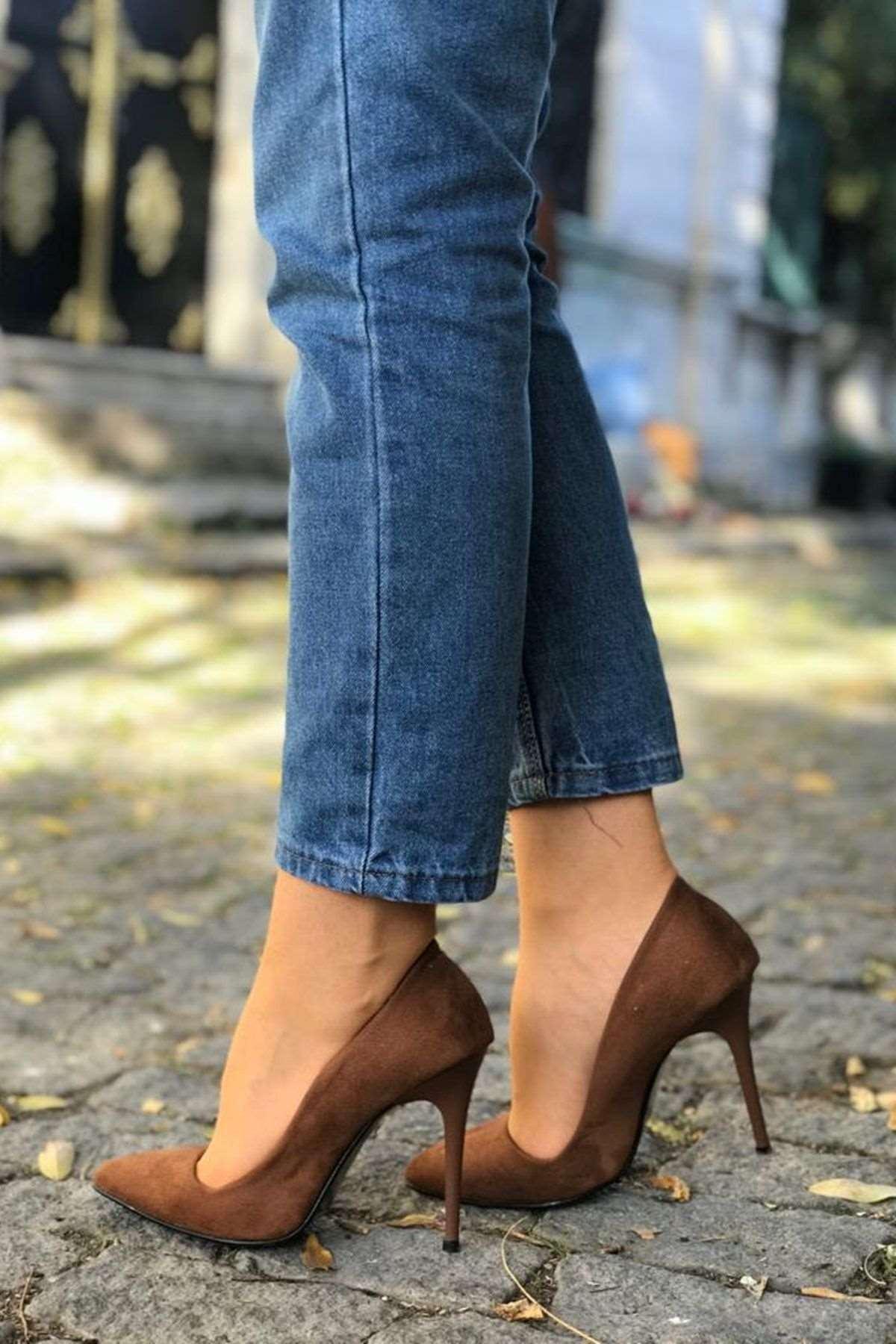 Sivri Burun Süet Stiletto Ayakkabı - KAHVE