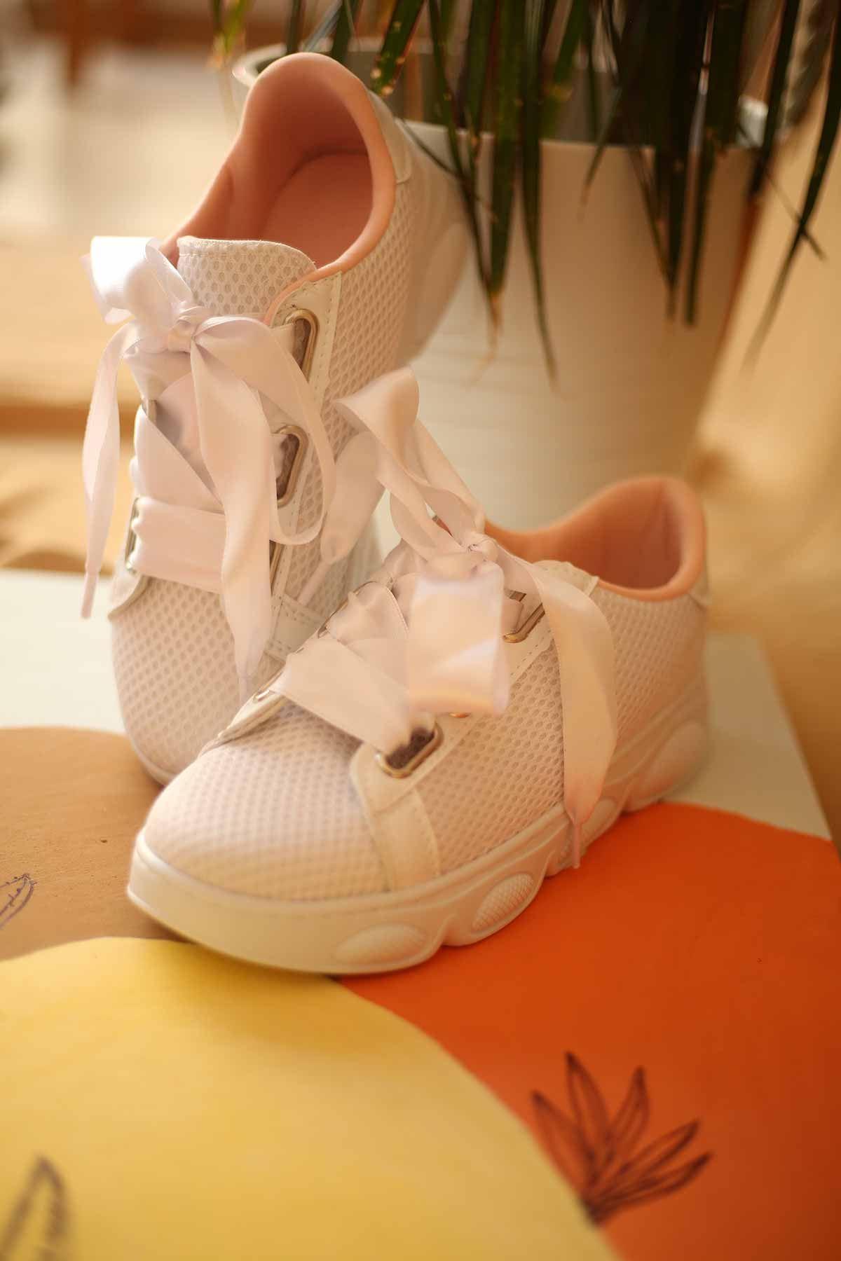 Kalın Bağcıklı Spor Ayakkabı - Beyaz